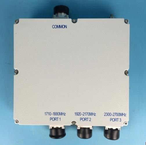 ISO Triple Band High Power Rf Combiner Low PIM 160dBc DIN Connector VSWR 1.3